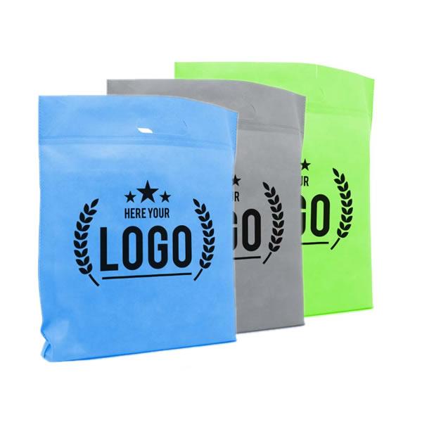 Uitgestanste tassen